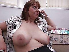 Matka veľké prsia podľa br1990