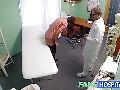 Fakehospital krátke vlasy hottie nemá žiadne poistenie